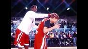 Смях!!! Пребиха Justin Bieber на баскетболния мач