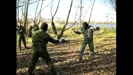 Инструктор ножевого боя_ Дмитрий Дёмушкин