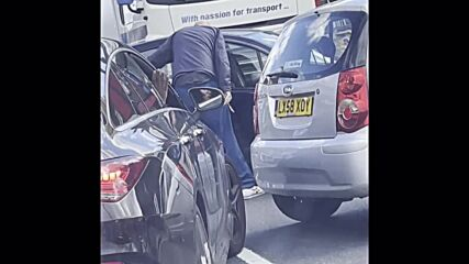 UK: Driver pulls knife, almost gets run over in London 'petrol row'