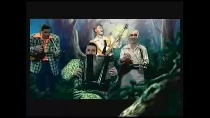 Лена и група Белый день с песента Ай - Яй - Яй