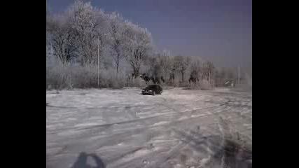 Bmw 318 is Snow Drift