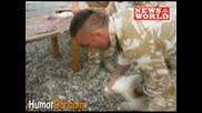 Войник Убива С Уста - Откъсва Пилешка Глава