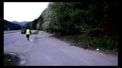 Полицаят и беглеца - Turboidiots