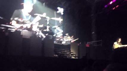 Джъстин слиза от сцената в Истанбул !!!