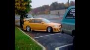 Ето Така Се Паркира Кола ! ! !