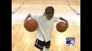 11 годишно момче прави каквото си иска с баскетболни топки - Дете чудо