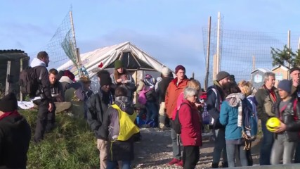 France: Last remaining refugees take shelter at Calais 'jungle' school