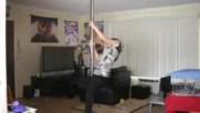 Pole dance Fail lol