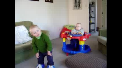 Toddler Sings From The Inside