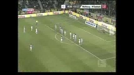 Първа победа от пет мача за Волфсбург – 2:1 над Борусия М.