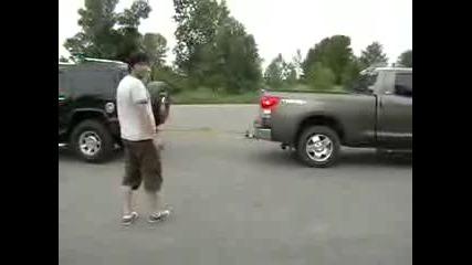 Toyota Tundra vs Hummer H2