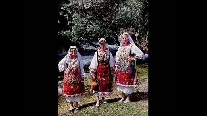 (македонско девојче) - Macedonian Folk Song