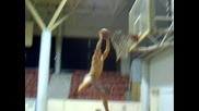 Баскетболна Забивка С Прескок