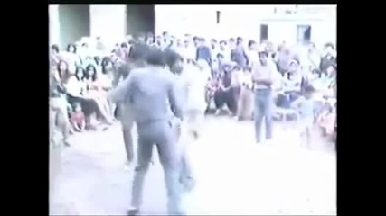 Видеото Apachi Dans Xixixi -