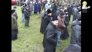 Ukraine: Right Sector clash with church-goers, attempt to seize Orthodox institution