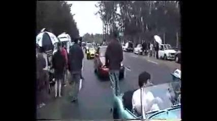 Идиот с Ferrari прави burnout и се удря в Seat