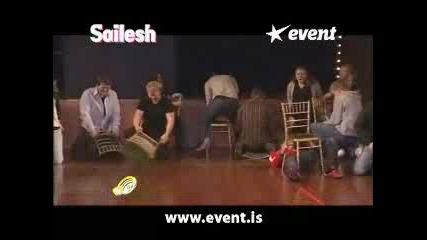 Хипнотизирани хора е... столове