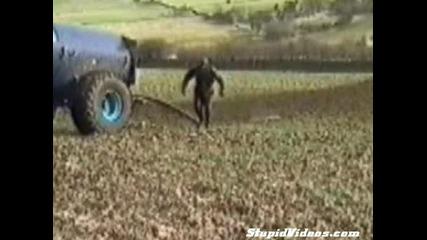 Не Е Лесно Да Си Тракторист
