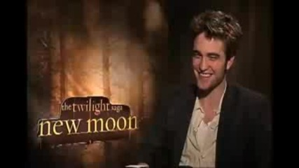 Robert Pattinson on New Moon & Eclipse :)