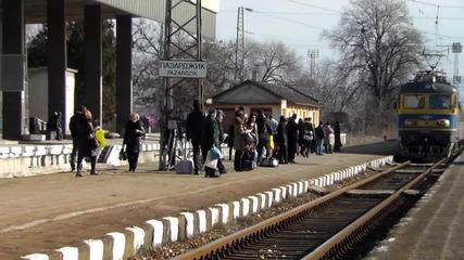 44 002 пристига на гата Пазарджик