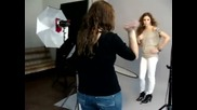 On set with Kayla Ewell from Vampire Diaries with La photographer Kate