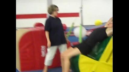 Лигльото се кара на учителката си по Мма Смях