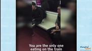 Супергерой преби пътник в метрото заради семки