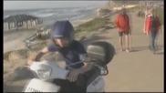 Папараците преследват Джъстин в Израел