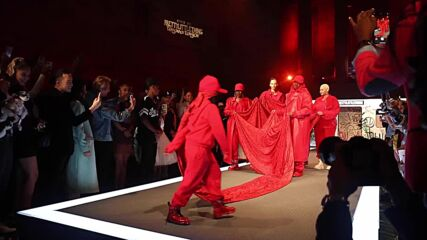 Teyana Taylor takes New York Fashion Week back to the 90s