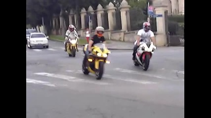 Мотористи - 27 - Suzuki Gsxr 750 Burnout n Wheelie, Yamaha R1, Cbr1000rr