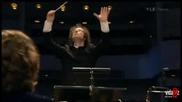 разгорещен диригент остана без ноти