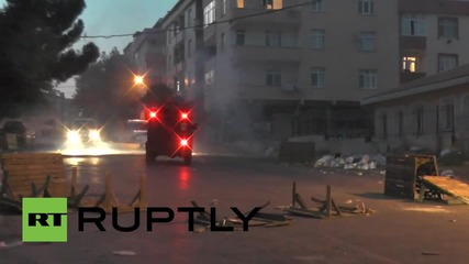 Turkey: Violent clashes between pro-Kurdish protesters and police continue in Istanbul
