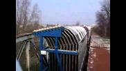 Дизелов Локомотив St43 Преминава През Мост