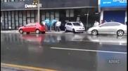 Нелека задача - жена паркира автомобил