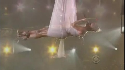 Pink - Glitter In the Air * Live Grammys 2010