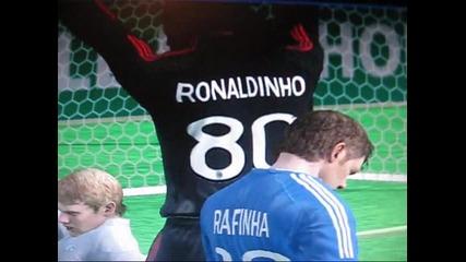 Ronaldinho финтове и гол ! Fifa 10
