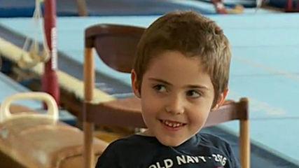 Mомченце с мускулна атрофия спечели състезание по гимнастика и други новини