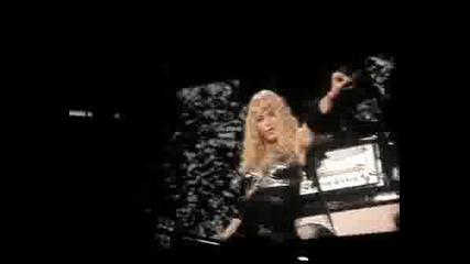 Madonna Размазва С Рок Версия Hung Up Live