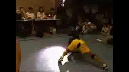 Krumping Vs Breakdance