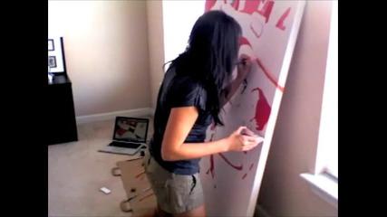 Мацка рисува поп арт картина!