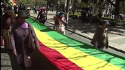 Bolivia: Thousands march to show support for President Morales