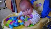 bebe zaspiva mnogo sme6no - 17.02.2011