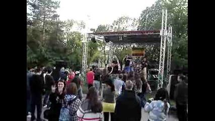 Overdawn на живо в Скейт - парка на град Русе