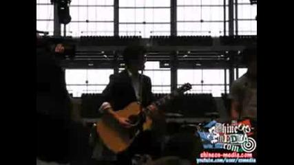Jonas Brothers - Paranoid (acoustic Clip)