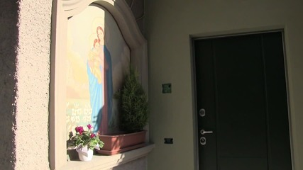 Italy: Italian town erects signs telling newcomers to respect 'Christian traditions'
