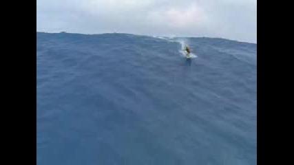 Сърфист И 40 Метрово Цунами