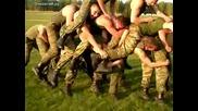 Ето как се забавляват в Руската армия