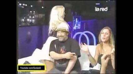 Javiera acevedo le agarra el paquete a salfate - Asi Somos 2011