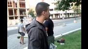 Токето продава Iphone на манго