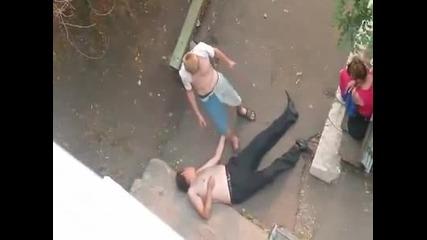 """Двама пияни руснаци се скарват по """"другарски"""""""